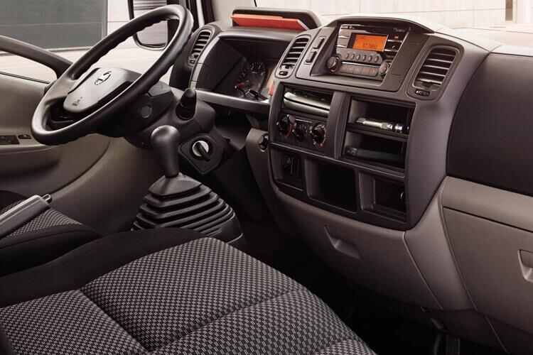 Nissan NT400 Cabstar 35.13 LWB 3.0 dCi DRW 130PS  Dropside Manual inside view